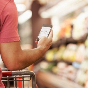 Man shopping with Apple Pay